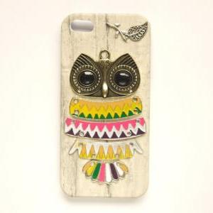 Bronze Owl White Wooden Pattern Lea..